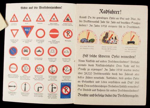 WWII German Police traffic guide: Radfahrer im Verkehr