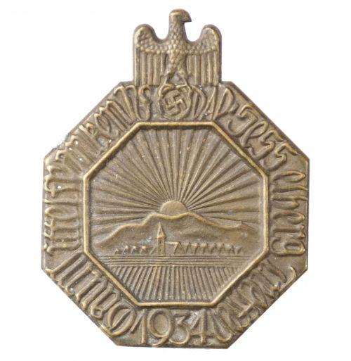NSDAP Hesselberg Treffen Gau Mittelfranken 1934 badge