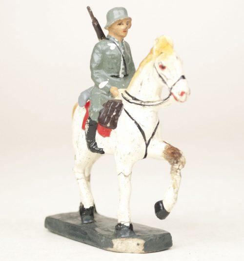 """German Soldier toyfigure """"horserider"""" (Reiter) with rifle"""