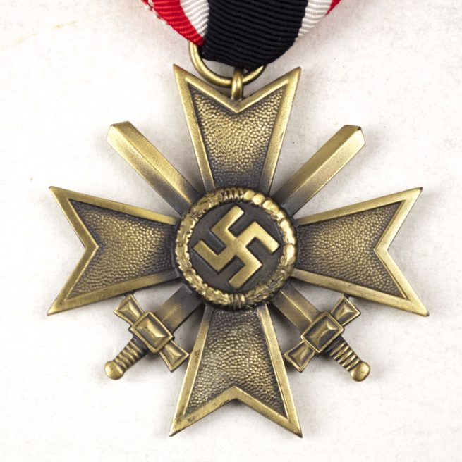 Kriegsverdienstkreuz mit Schwerter (KVK) / War Merit Cross with Swords
