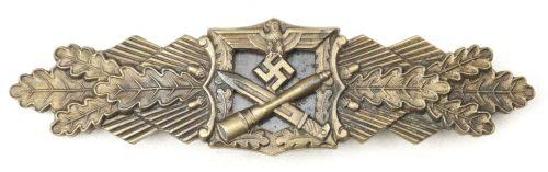 Nahkampfspange in bronze / Close Combat Clasp in bronze (maker A.G.M.u.K)