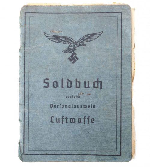 "Luftwaffe Soldbuch ""Flieger"" + Passphoto"