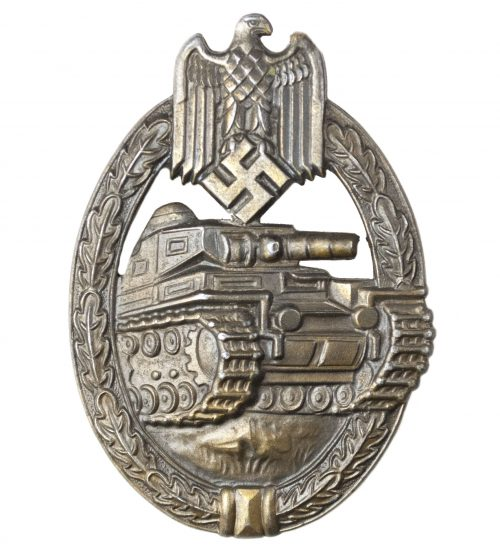 Panzer Assault Badge (PAB) / Panzerkampfabzeichen (PKA) in bronze by maker Frank & Reif
