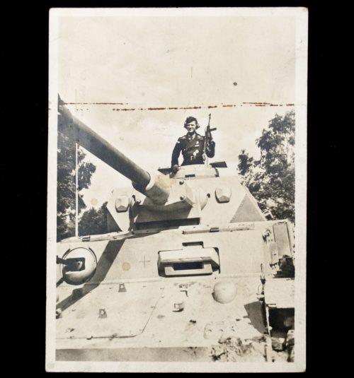 Postcard: Waffen SS- Panzer im Angriff