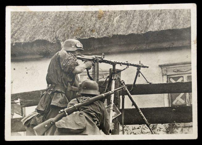 Postcard: Waffen-SS Sowjet Wiederstandsnest wird niedergekämpft