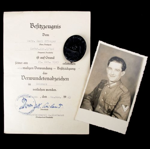 "Verwundetenabzeichen schwarz / Woundbadge black (maker ""81"") + citation + photo"