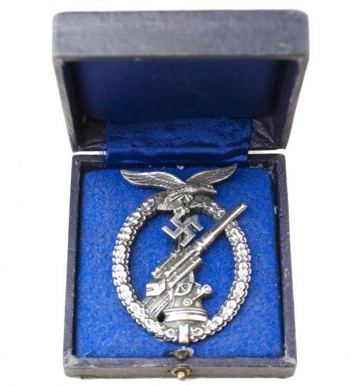 Flakkampfabzeichen der Luftwaffe (Luftwaffe Flak Artillery badge with case (ballhinge)