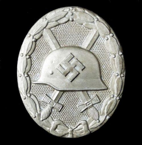 German woundbadge in Silver (VWA Verwundetenabzeichen) maker 127 – Moritz Hausch