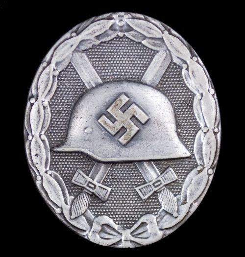 """German woundbadge in Silver (VWA Verwundetenabzeichen) maker """"26"""" - B. H. Mayer's Kunst-prageanstalt, Pforzheim"""