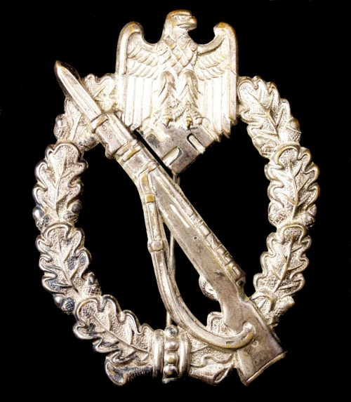 Infanterie Sturmabzeichen (ISA) / Infantry Assault Badge (ISA) in buntmetal by maker Otto Schickle