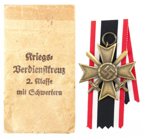 "Kriegsverdienstkreuz 2. Klasse mit Schwertern und Tüte / War Merit Cross 2nd Class with Swords and Bag (maker ""65"" Klein & Quenzer)"