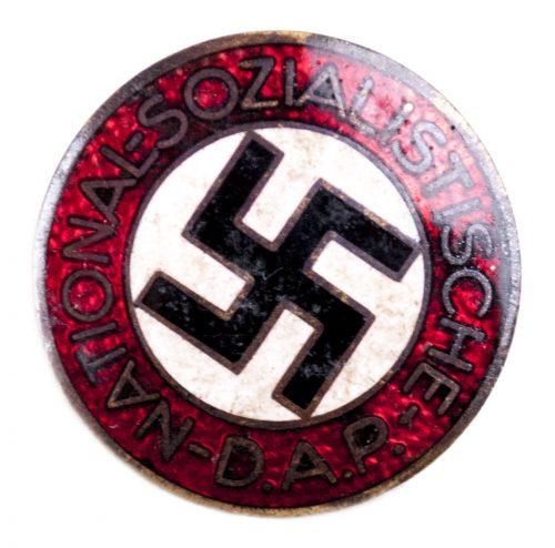 NSDAP Parteiabzeichen M1/172 (maker Walter & Henlein)