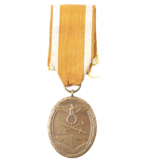 Westwall medaille (Schutzwall orden) on long ribbon