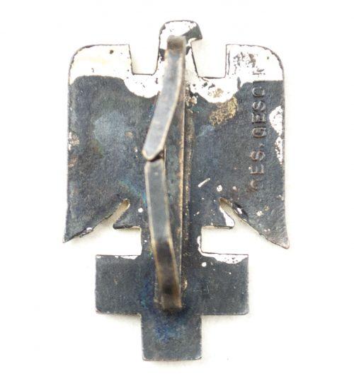 Deutsche Rotes Kreuz (DRK) Visor Cap badge