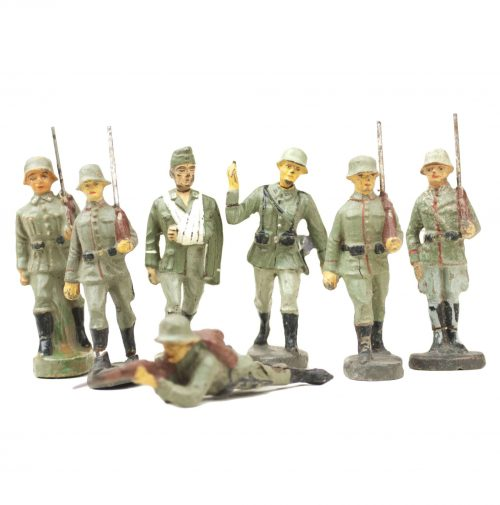 Elastolin group of 7 Wehrmacht (Heer) toyfigures