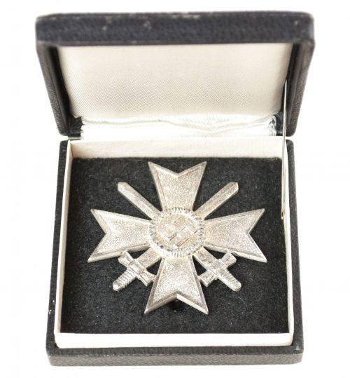 "Kriegsverdienstkreuz (KVK) / War Merit Cross + etui (maker ""1"" Deschler)"