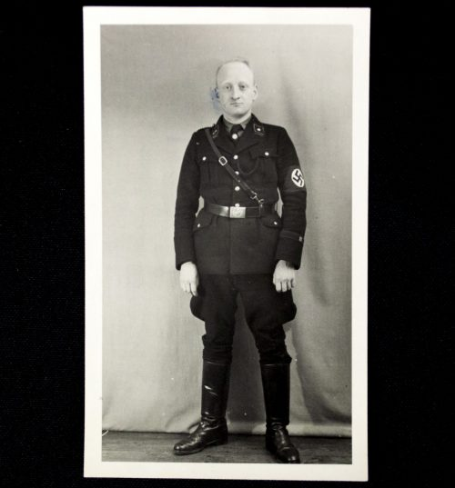 Photo SS man in black uniform