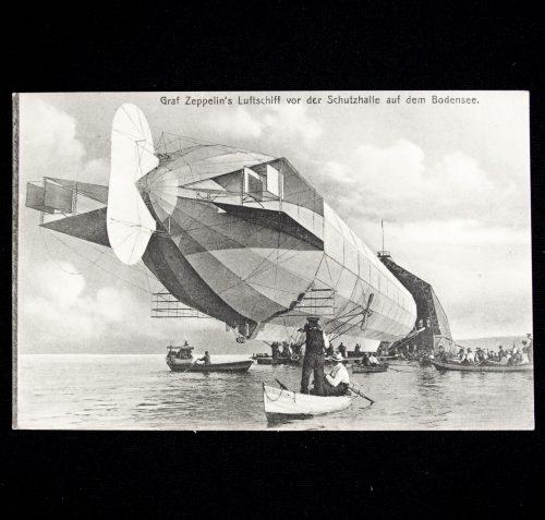 Postcard: Zeppelin. Graf Zeppelin's Luftschiff vor der Schutzhalle auf dem Bodensee