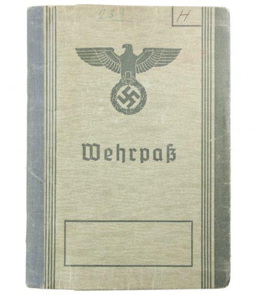 Wehrpass + Passphoto from Wehrbezirkskommando Stettin I