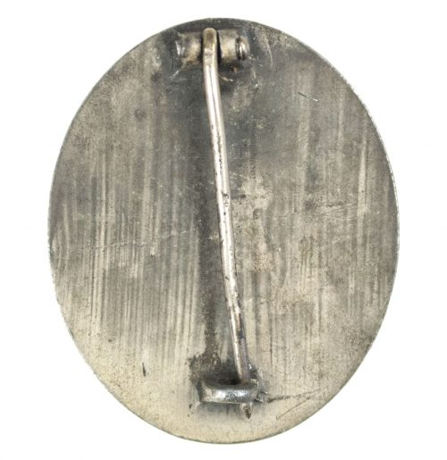 """German woundbadge in Silver (VWA silber Verwundetenabzeichen) """"4"""" (Steinhauer & Lück)"""