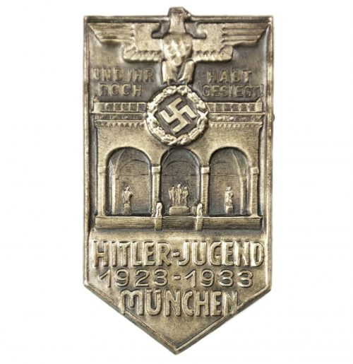 Hitlerjugend München 1923-1933 badge (maker H. Wittmann)