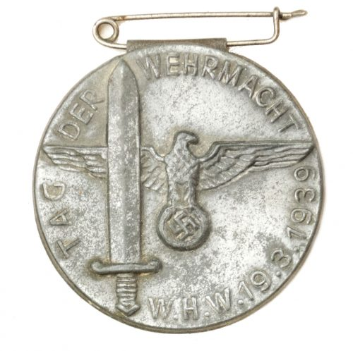WHW Tag der Wehrmacht 19.3.1939 abzeichen