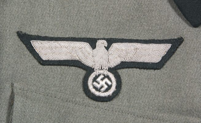Wehrmacht Hauptmann der Infanterie Feldbluse with many medalloops