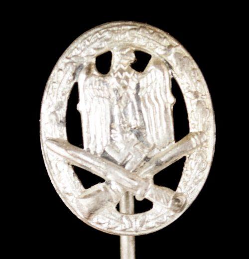 General Assaubadge (GAB) Allgemeines Sturmabzeichen (ASA) miniature stickpin in 16mm size