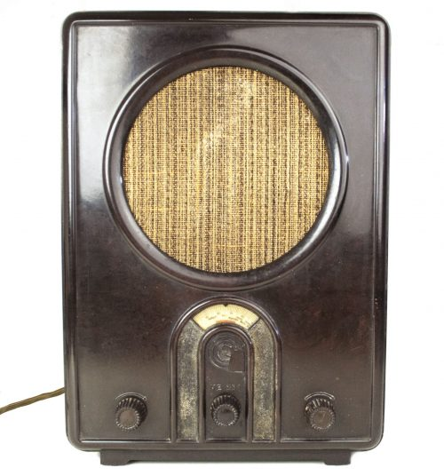 German WWII Volksempfanger Braun Radio VE301Wn (1933-1945)