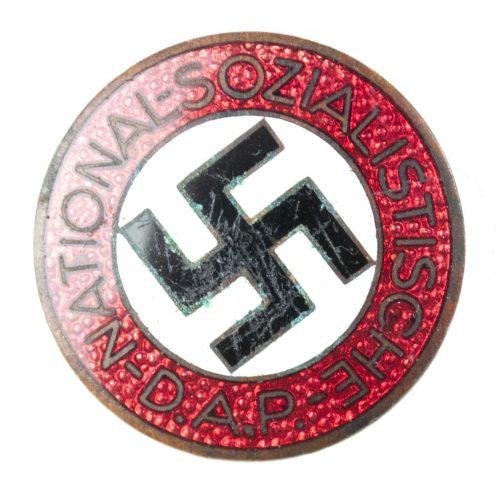 NSDAP Parteiabzeichen RZM M1127 (maker Alfred Stübbe)