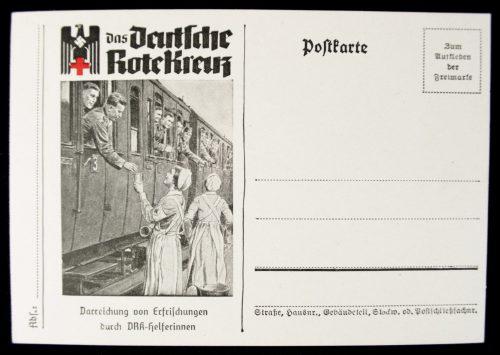 Postcard Das Deutsche Rote Kreuz (DRK) Darreichung von Erfrischungen dutch DRK-Herferinnen