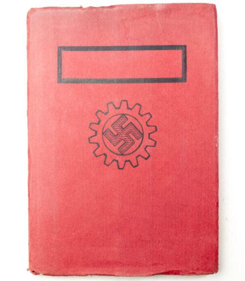 Deutsche Arbeitsfront (DAF) Mitgliedsbuch rare variation with cover + photo's