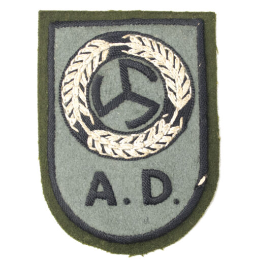 Dutch WWII Nederlandsche Arbeidsdienst voor Meisjes (AMD) Dutch Female Labourservice armbadge