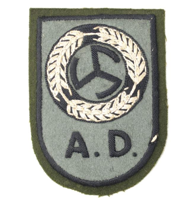 Dutch WWII Nederlandsche Arbeidsdienst voor Meisjes (AMD) Dutch Female Labourservice armbadge