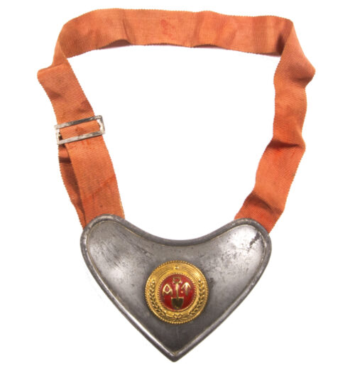WWII Norwegian (AT) Arbeidstjensten Labour Service gorget for wachtoffiziere.