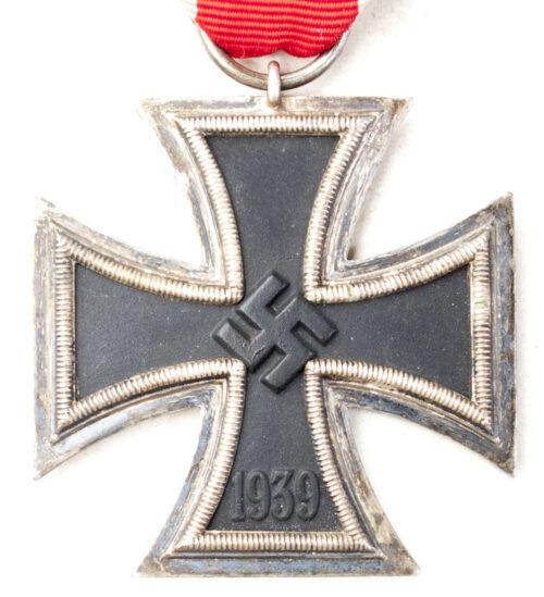 Eisernes Kreuz (EK) Iron Cross second Class 27 (maker Anton Schenkl)