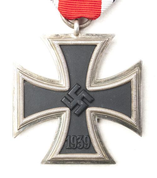 Iron Cross second Class (EK2) Eisernes Kreuz Zweite Klasse 122 (maker J.J. Stahl)