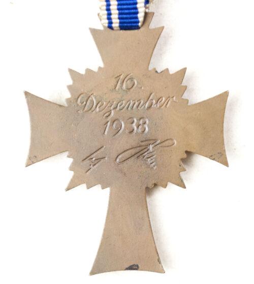 Mutterkreuz Motherscross in bronze