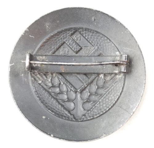 """Reichsarbeitsdienst (RAD) Female """"Arbeitsmaid"""" Brooch (maker Deschler)"""