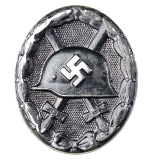 Woundbadge in black Verwundetenabzeichen Schwarz (double maker marked EH + 126)