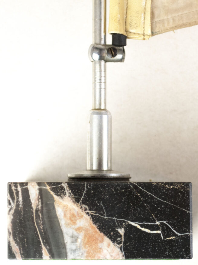 DDAC - Carpennant with pole and marble base