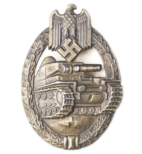 Panzer Assault Badge (PAB) Panzerkampfabzeichen (PKA) in bronze by maker Frank & Reif