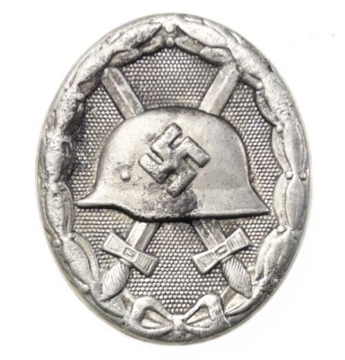 """Woundbadge in black / Verwundetenabzeichen Schwarz (double maker marked """"EH"""" + """"126"""")"""