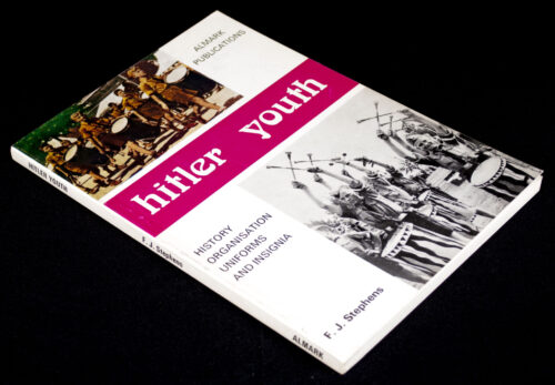 (Book)Hitler Youth, History, Organisation, Uniforms and Insignia
