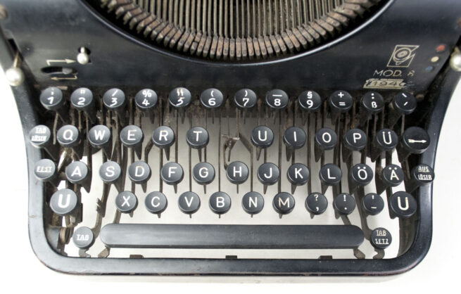 Dutch 1940 dated Olympia typewriter with SS-Button