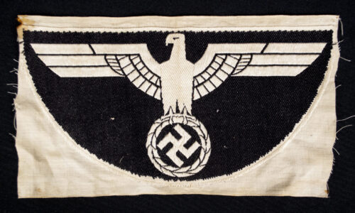 Wehrmacht (Heer) large Sporthirt Breast Eagle (black)