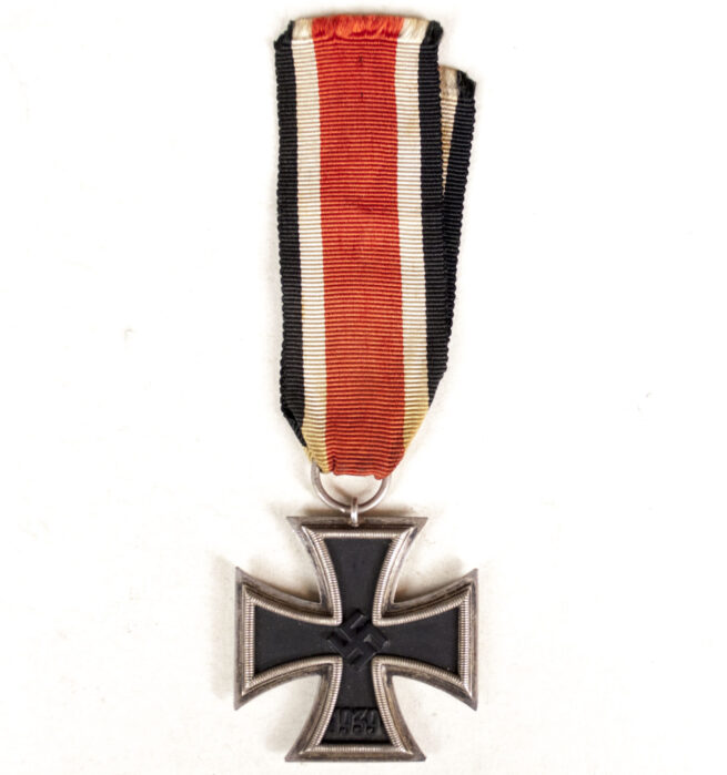Iron Cross (Double maker marked 65) + Citation + Gravephoto + Newspaper with obituary