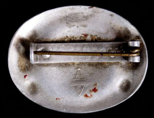 Reichsarbeitsdienst (RADw) female brooch (maker Assmann)
