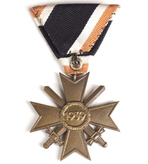 Kriegsverdienstkreuz mit Schwerter (KVK) Dreiecksband War Merit Cross (Austrian Mount)