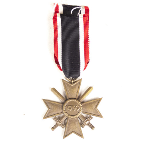Kriegsverdienstkreuz mit Schwerter (KVK) War Merit Cross with Swords